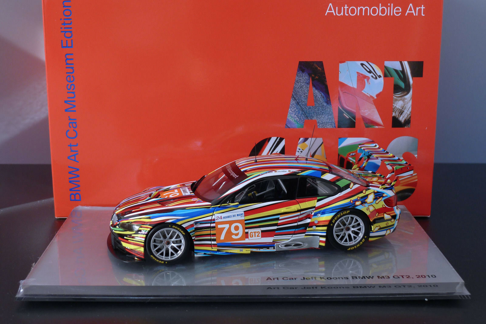 BMW M3 E92 Art Car Jeff KOONS LM Le Mans 2010 Minichamps 1/18