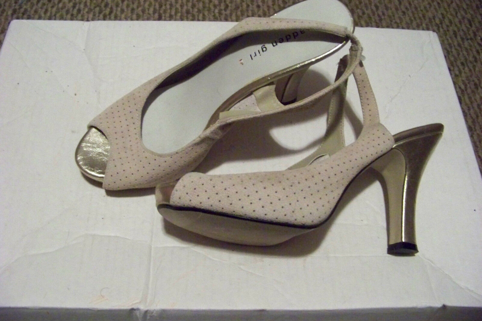 womens madden girl lavendar tan suede leather 9 gold heels shoes size 9 leather 1/2 117d8a