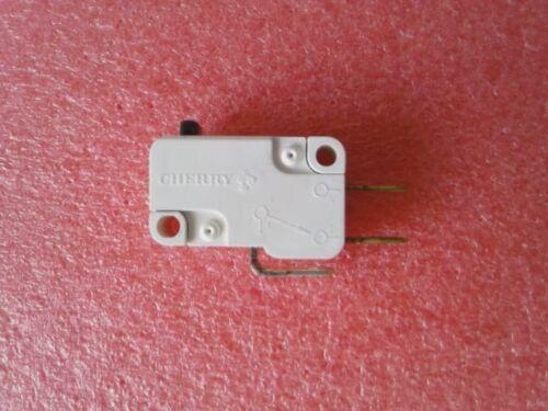 Mikroschalter// Taster 250V 8A Cherry Serie D3BY