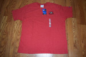 6a2174d7 NWT Mens CHAMPION UNLV Red Short Sleeve Crew NCAA Shirt XL X-Large ...