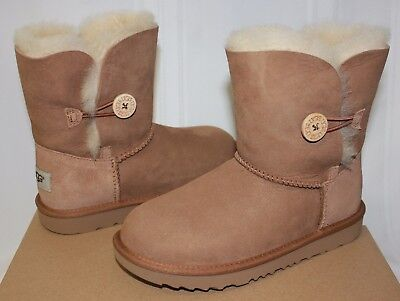 8d7fbc60362 Ugg Kids Bailey Button II 2 chestnut suede boots 1017400K NEW With Box |  eBay