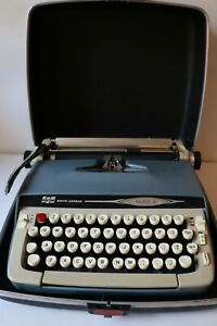 SMITH CORONA Galaxie II Portable typewriter w/ Case. VIEW VIDEO IN DESCRIPTION!