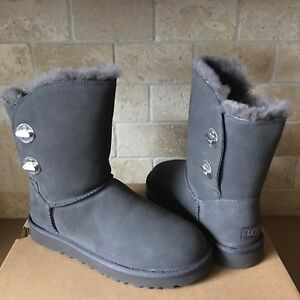 63c55953543 Details about UGG Short Turnlock Charcoal Grey Water-resistant Suede Fur  Boots Size 10 Womens