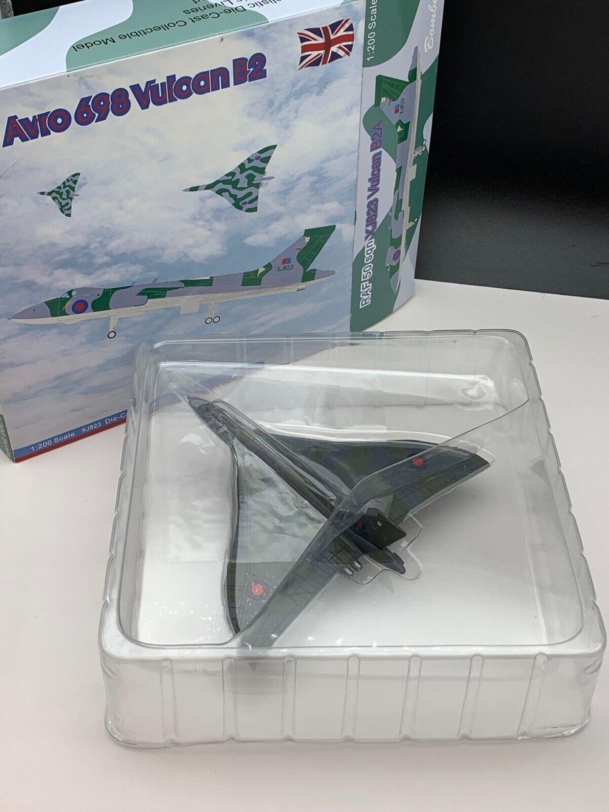 Modelos en miniatura avión 1 200. nunca deshacer las maletas. top