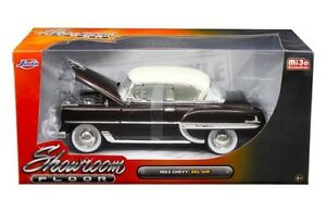 1953-Chevy-Bel-Air-coche-fundido-a-troquel-1-24-Jada-Toys-Showroom-paredes-blancas-marron-de-8