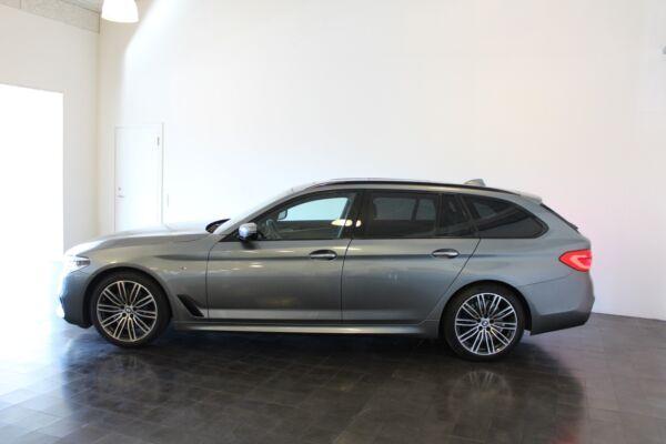 BMW 530d 3,0 Touring M-Sport aut. - billede 2