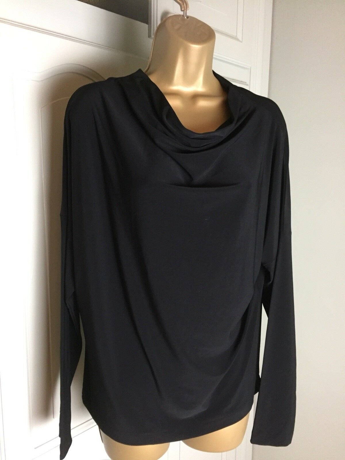 Norma Kamali Ladies schwarz Dolman Top Super Stretchy Long Sleeve Größe Small