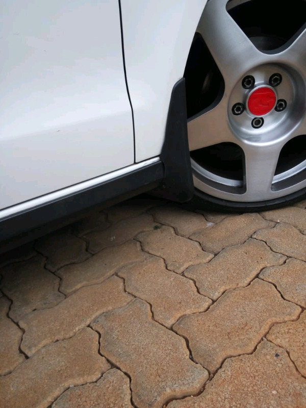 Polo 6 and 7 mud flaps