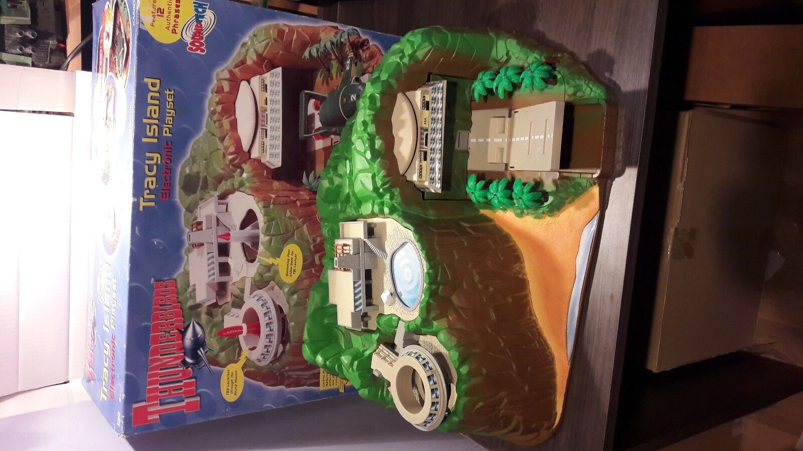 THUNDERBIRDS TRACY ISLAND ELECRONIC PLAYSET.  A GERRY ANDERSON PRODUCTION. 2000
