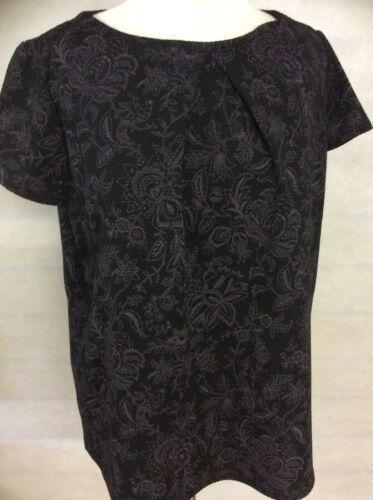 WAFFLE TEXTURE SELF PRINT BLACK AND LILAC SHORT SLEEVE TOP SIZE 16