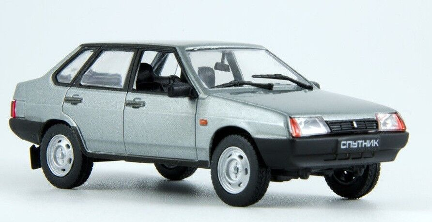 Vaz LADA SAMARA FORMA 21099 2109 BERLINA GRIGIO ARGENTO 1984-2004 1//43 modellca...