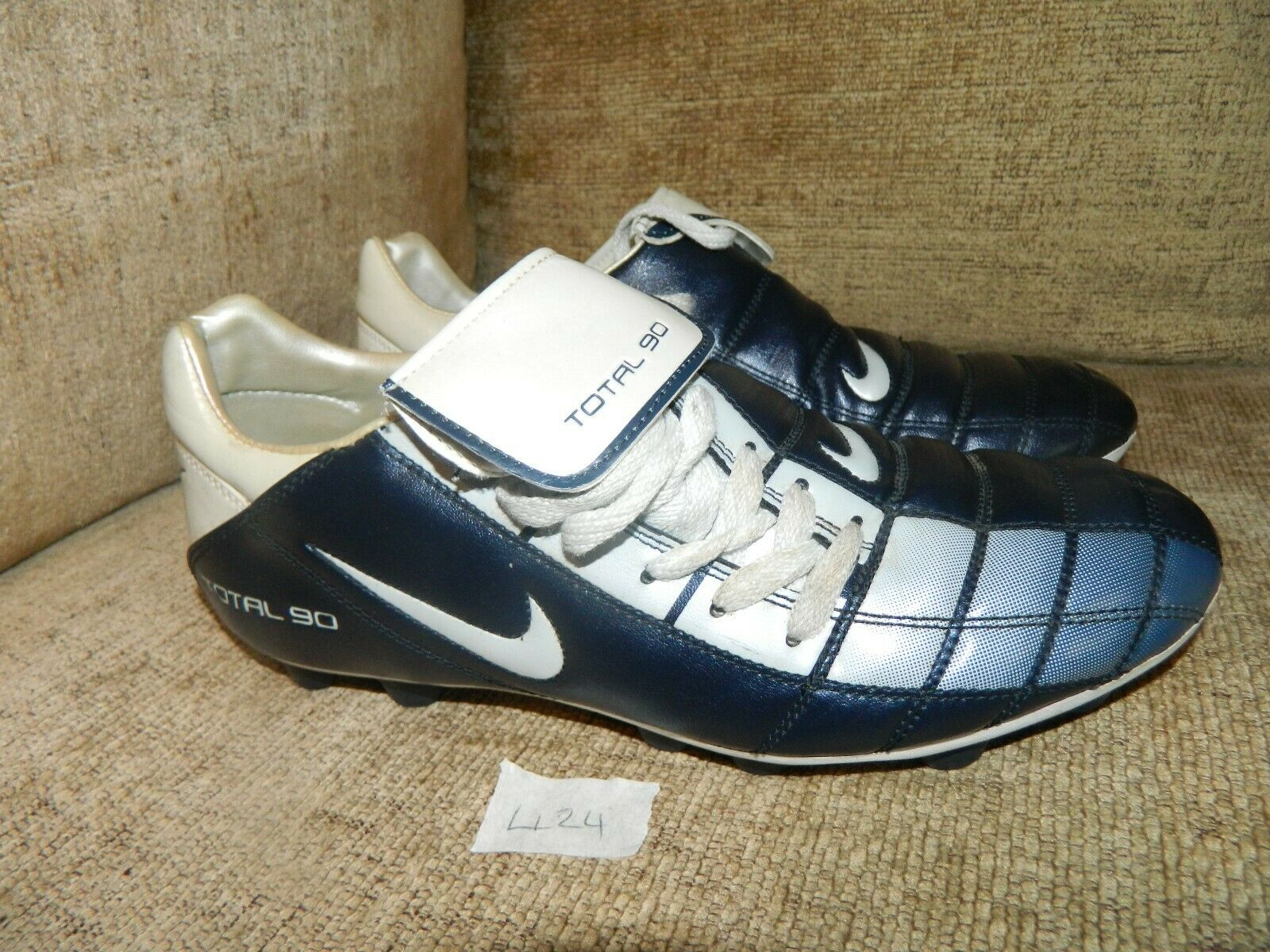 botas De Fútbol Nike Total 90 Cuero 7 EUR 41 Plata Azul  Raro  en muy buena condición COND