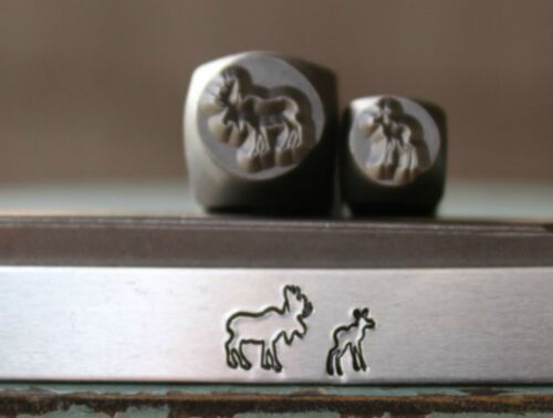 SUPPLY GUY 7mm//5mm Moose and Moose Calf Metal Punch 2 Stamp Set SGCH-205224