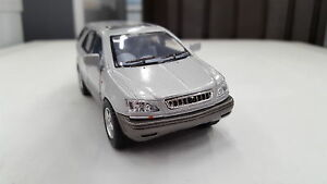 LEXUS-RX-300-Grigio-Kinsmart-toymodel-1-36-SCALA-Diecast-Auto-Regalo