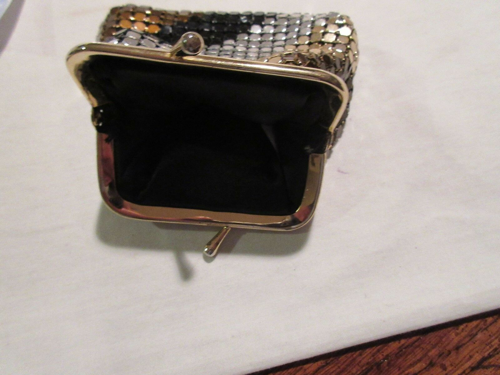 LADIES , 2 Coin Purses, 1 wallet , Lot of 3