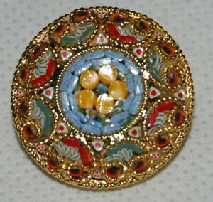 Vintage-Micro-Mosaic-Inlay-Ornate-Gold-Tone-Jewelry-Brooch-Pin-Flower-Blue-Red