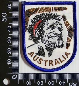 VINTAGE-AUSTRALIA-ABORIGINE-EMBROIDERED-SOUVENIR-PATCH-WOVEN-CLOTH-SEW-ON-BADGE