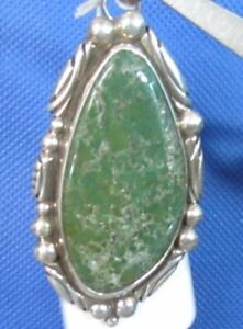 Signed-Large-Mojave-Green-Turquoise-Sterling-r-Pendant-Lots-of-Extra-Detail