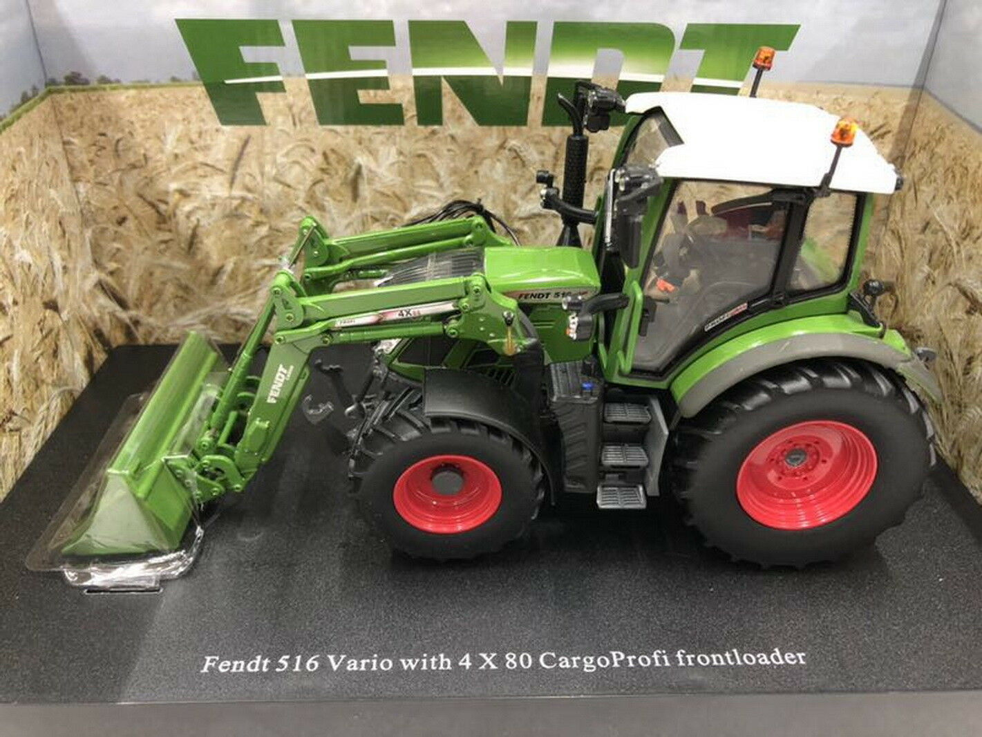 Universal hobbies 1 32 Fendt 516 Vario with CargoProfi loader Diecast UH4981