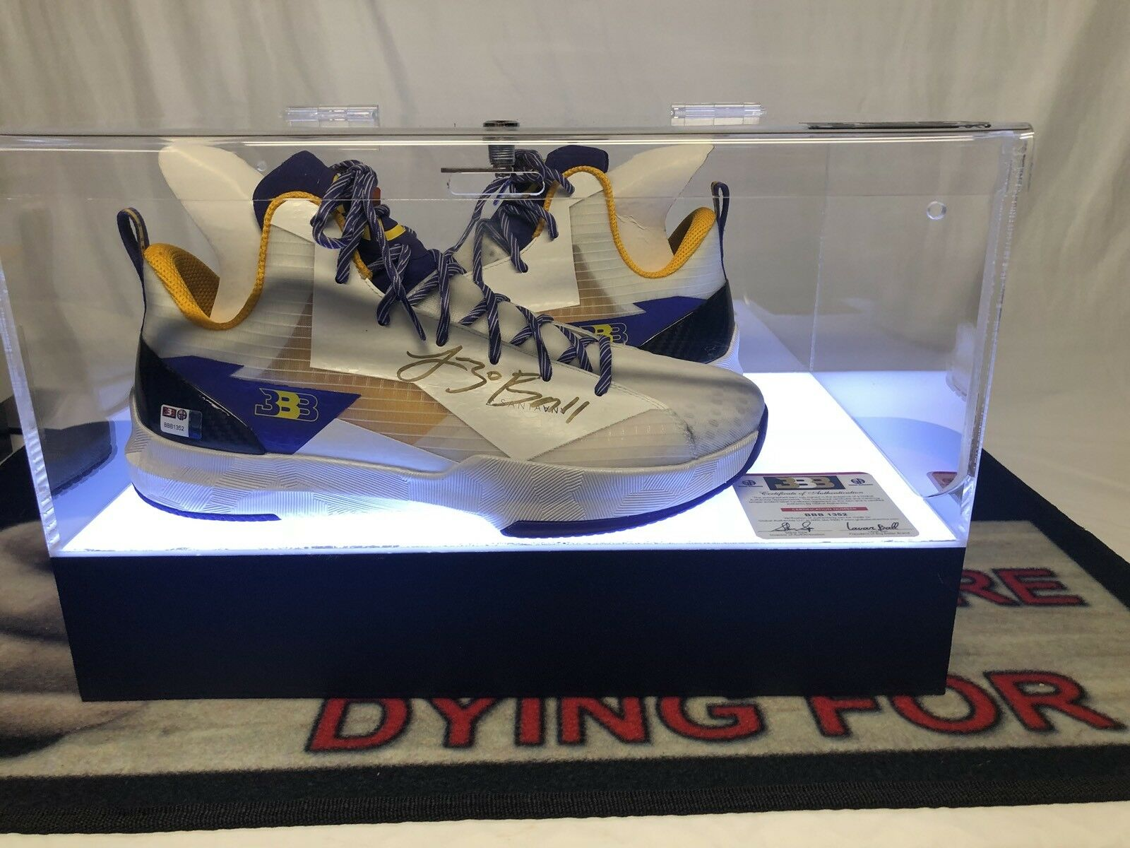 Lonzo Ball Autographed Big Baller Brand Shoes BBB ZO2 WET lakers 11.5 signed