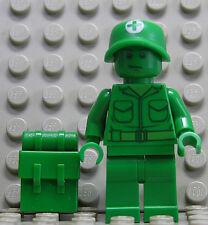 LEGO Toy Story - Grüner Sanitäts - Soldat mit Rucksack / toy002 NEUWARE (L11)