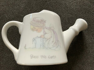 PRECIOUS-MOMENTS-WATERING-CAN-Bless-This-Earth-Samuel-Butcher-1989-Enesco