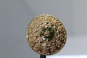 Gorgeous-Metall-Zierknopf-With-Varnish-Deposit-Probably-From
