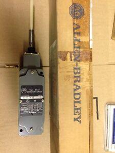 Allen-Bradley-802TWST-802T-WST-Oiltight-Limit-Switch-NEW