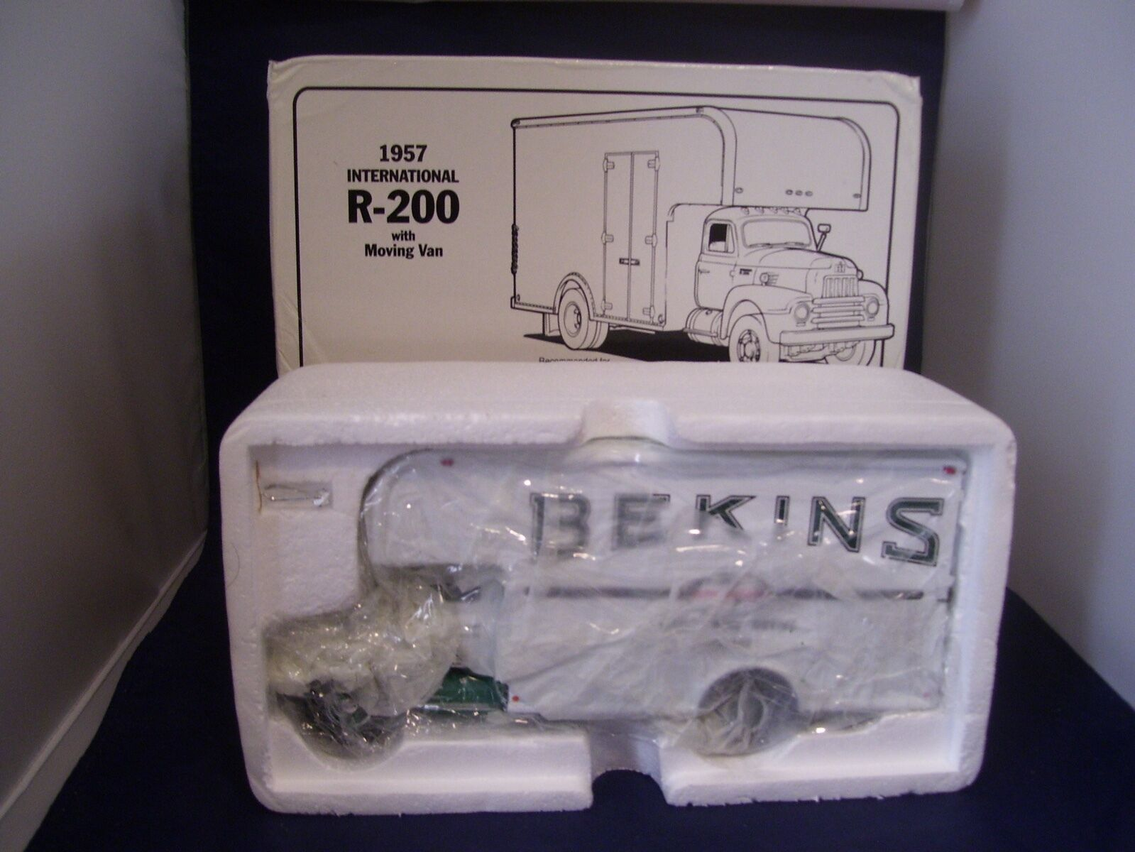 Rare  First Gear Bekins World Wide Moving Int;l R-200 Moving Van  19-1203