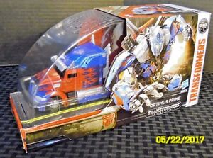 SDCC COMIC CON 2017 HASBRO TRANSFORMERS PREMIER THE LAST KNIGHT OPTIMUS PRIME