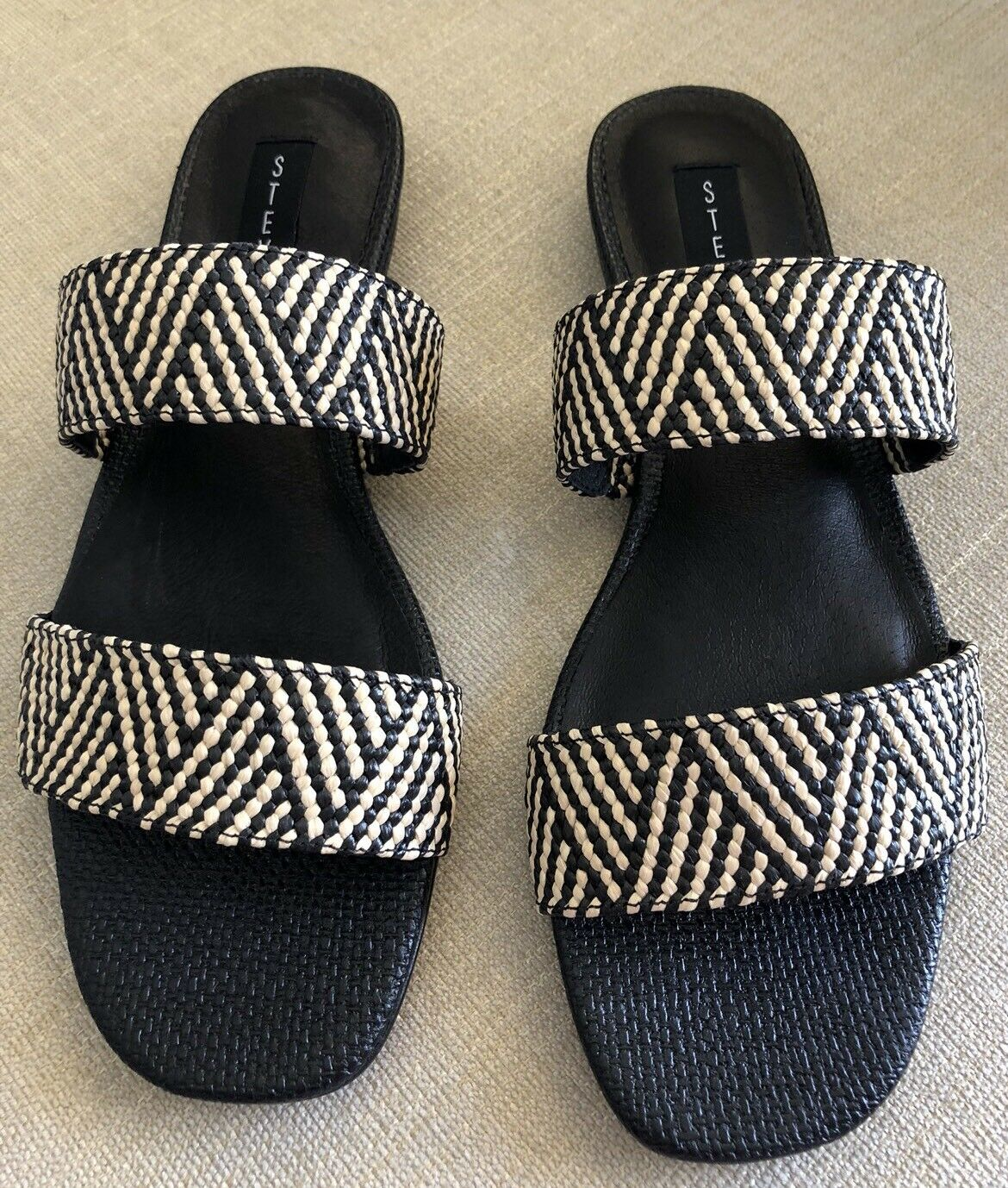 Steven By Steve Madden Friendly Black Tan Raffia Seaside Seaside Seaside Sandals. NWT. Size 8.5. 159399
