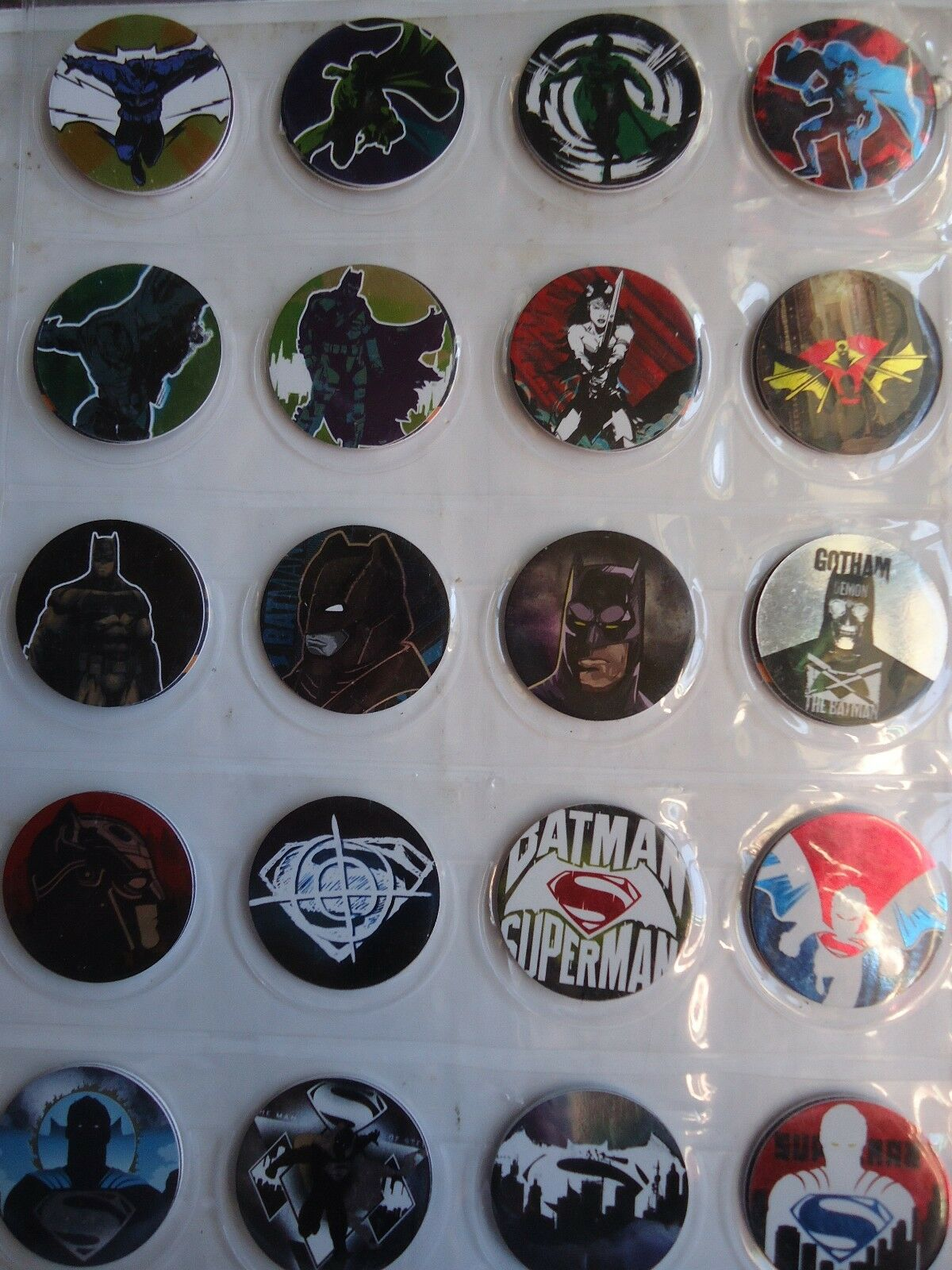 COMPLETE COLLECTION OF 150 POGS TAZOS EDITION BATMAN VS SUPERMAN