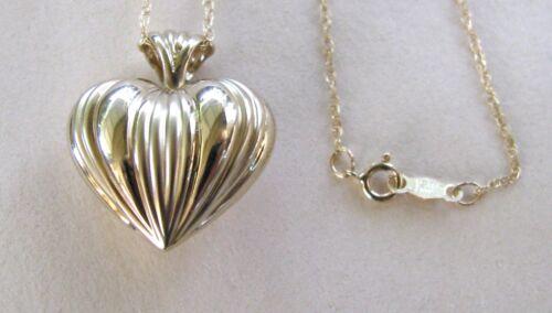 "14K Fluted Venetian 3-D Heart Pendant w//14k 18/"" chain--Gift Box--Free Shipping!"