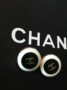 Two-Price-for-2-pcs-Vintage-Chanel-Button-cc-white-lot-of-2-21-5-mm