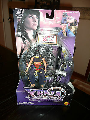 Xena 1998 Toy Biz Warrior Princess Harem Xena Action Figure con Pilastro di potenza