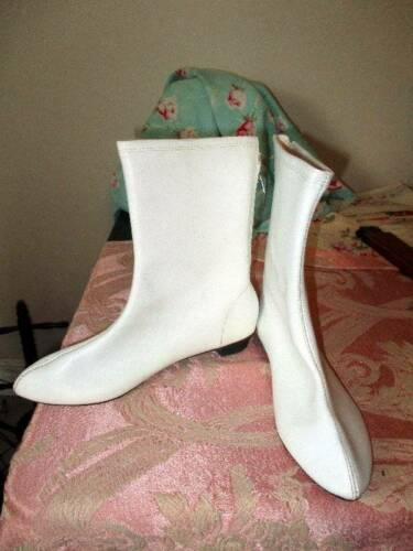 ORIGINAL HIPPIE MADE N JAPAN WHITE GOGO BOOTS 1970