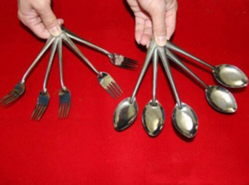Multiplication of Forks and of the Spoons - Close-Up Magic