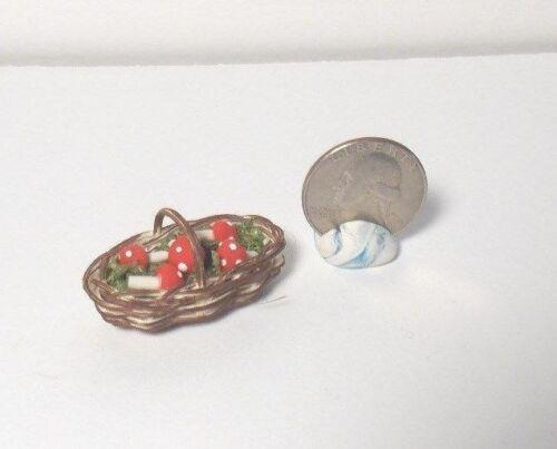 Dollhouse Miniature Halloween Basket Mushrooms 1:12 in scale G92 Dollys Gallery