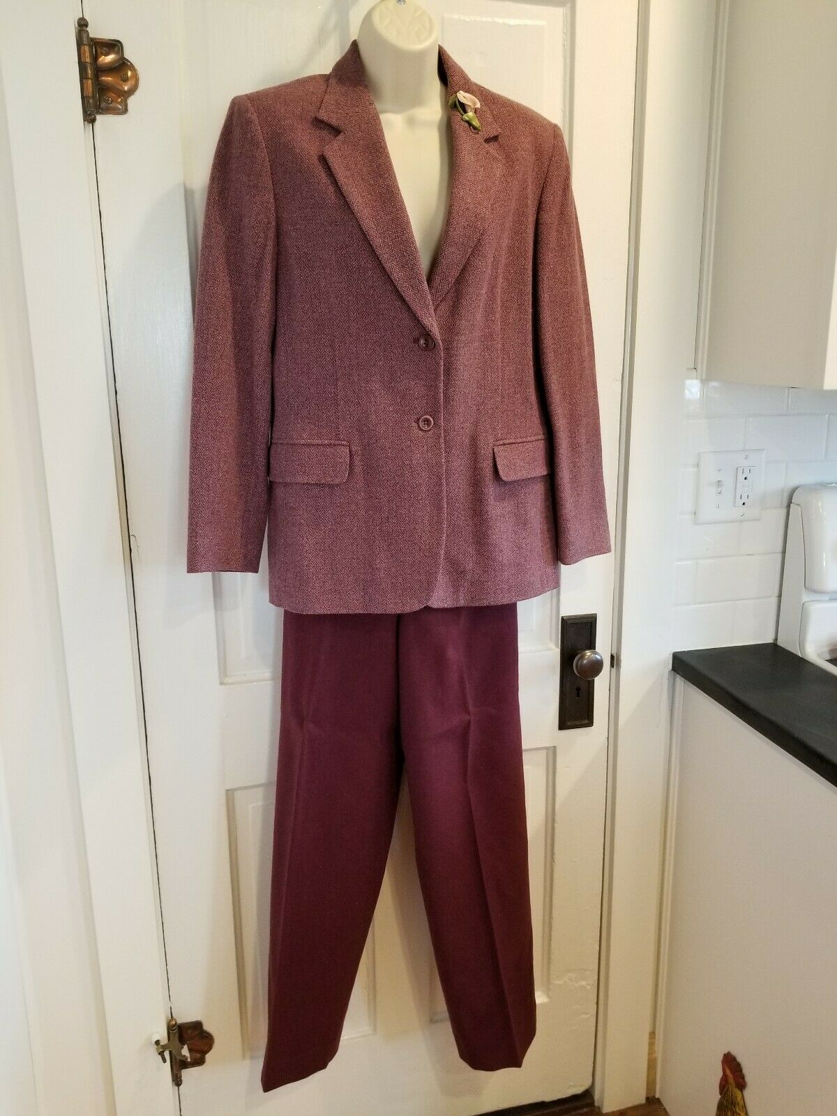 Vintage Pendleton Women's Lined Wool 2 Piece Pant Suit Size 10 and Vintage Pin