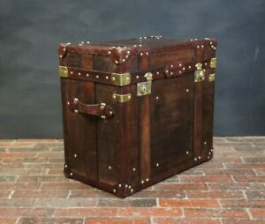 English-Handmade-Bespoke-Leather-Occasional-Side-Table-Trunk