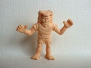 Vintage-figurine-cosmix-panosh-kinnikuman-m-u-s-c-l-e-man-exogini-chair-lot-z09