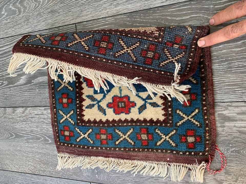 Andet tæppe, ægte tæppe, Uld på uld