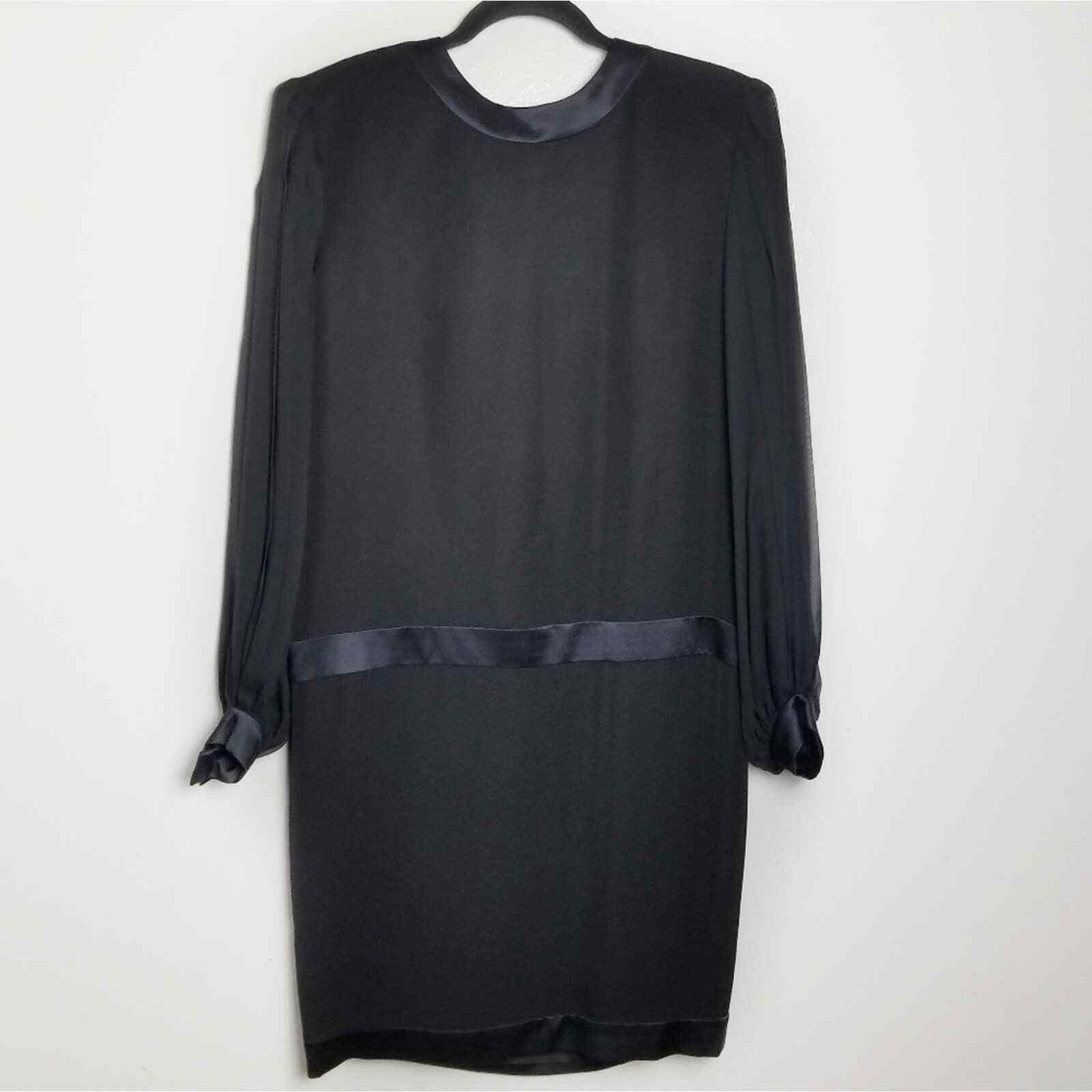 Albert Nipon Vintage Silk Pleat Sleeve Dress WOME… - image 2