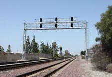 BLMA Models HO Scale Modern Triple Track Signal Bridge Lighted NEW 4025