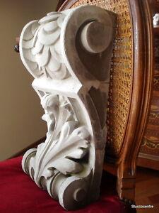 auch für Fassade 46 cm Schlanke Wandkonsole aus Stuck
