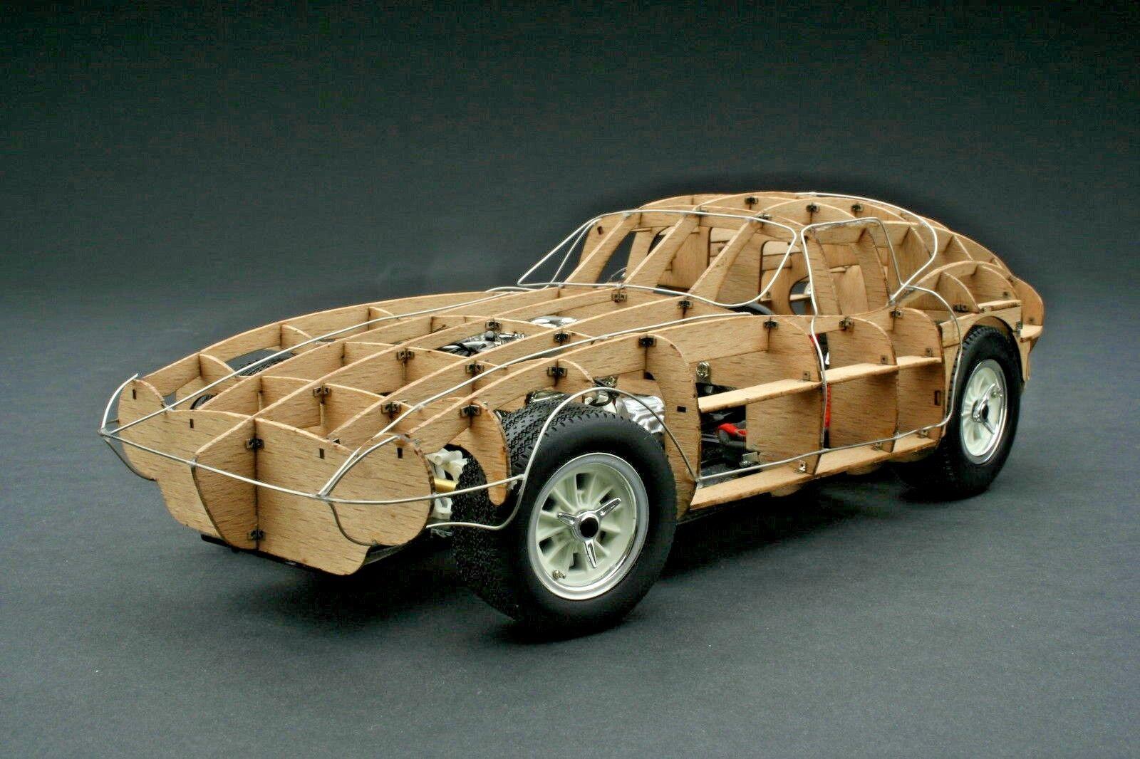 Exoto 1964 Shelby Cobra Daytona Coupe / Rolling Trellis / Scale 1:18 /  RLG18019
