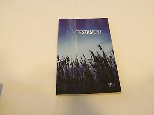 NIV-Outreach-New-Testament-Blue-Wheat-Cover-Biblica-Bible-Zondervan-Bibles-book
