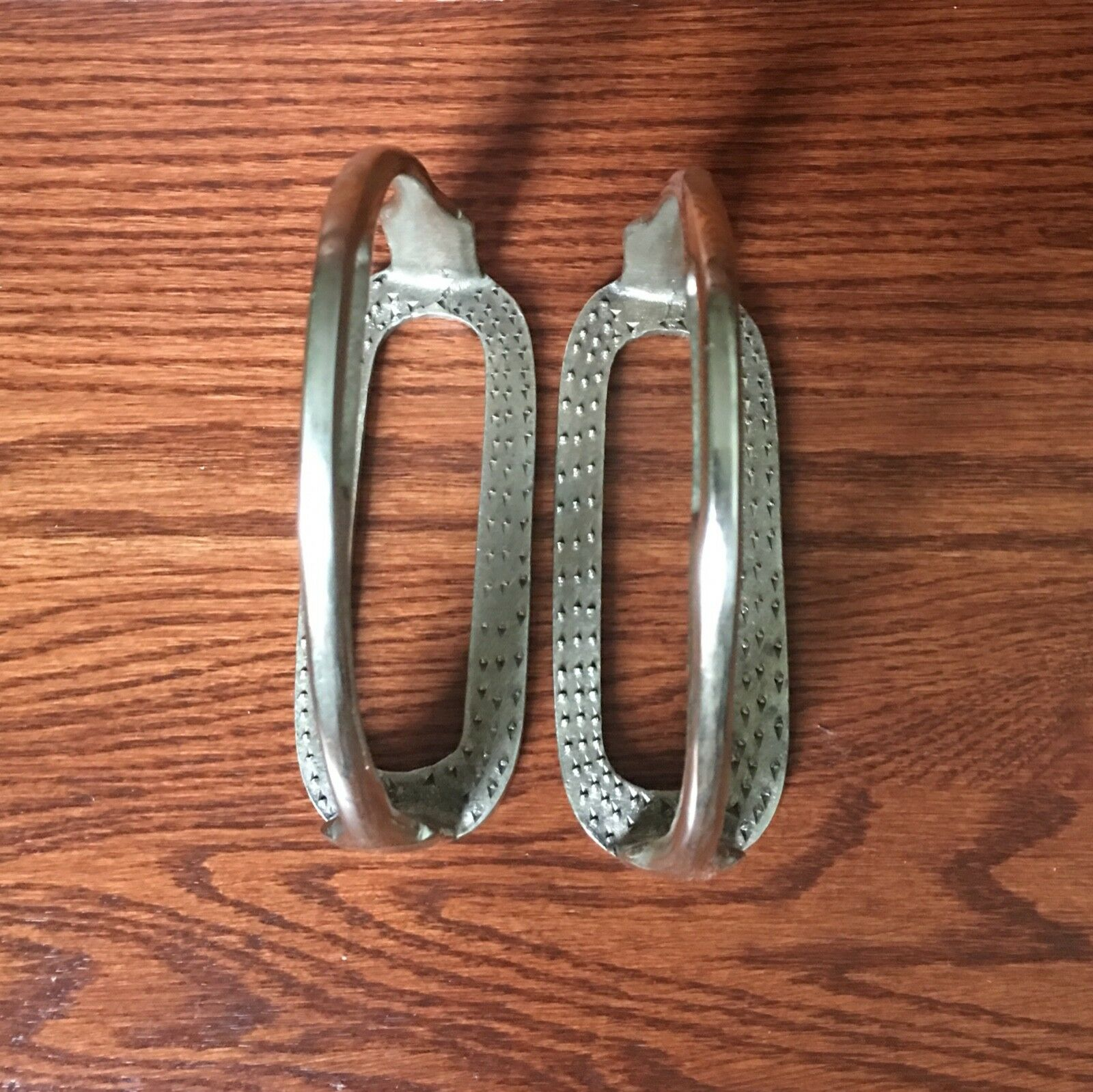 VINTAGE  PAIR METAL NON-RUST HORSE STIRRUP MADE IN ENGLAND  buy cheap