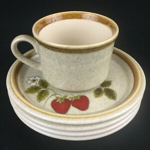 VTG-Set-1-Cup-and-4-Saucers-Mikasa-Stone-Manor-Luscious-F5809-Strawberry-Japan