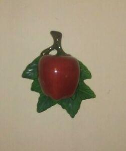 Vintage-Pottery-Wall-Pocket-Green-Leaf-And-Red-Apple-Motif-Hanging-Vase-MCCOY